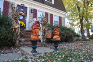 Easy to make, reusable Fall pumpkin topiary.